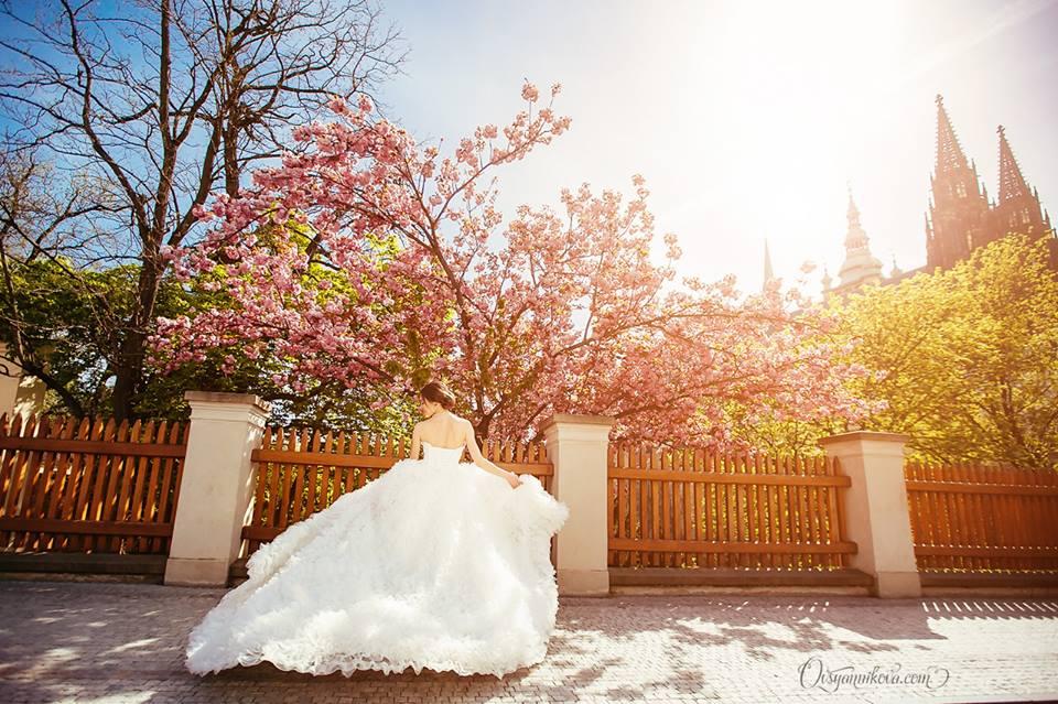 planning a wedding in prague wedding dress